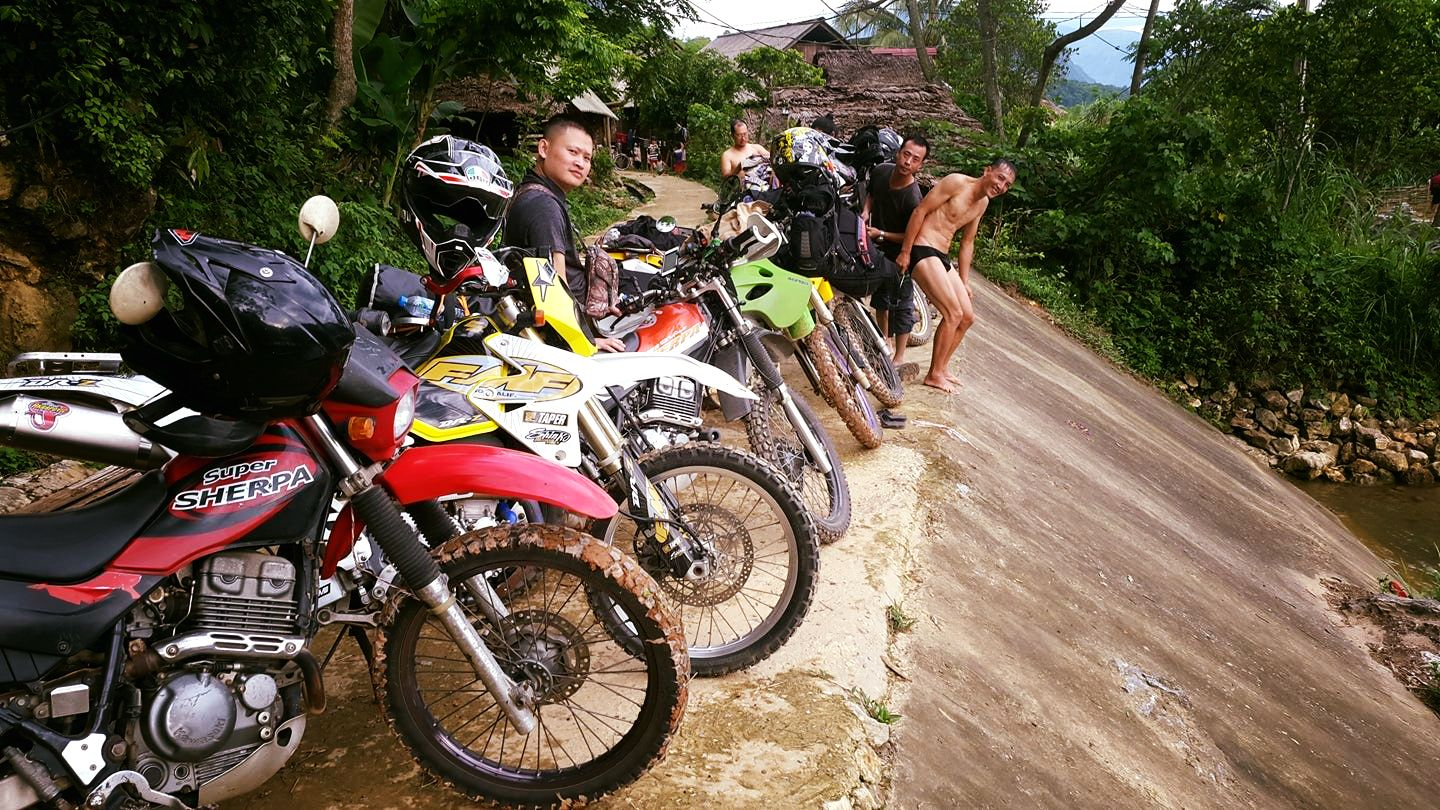 Motor Cycle Tours Vietnam